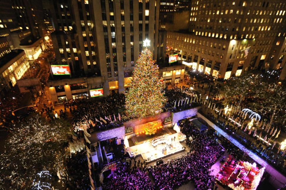 Rockefeller Center in Christmas - Year-end, New Beginnings! Royal Holiday News English