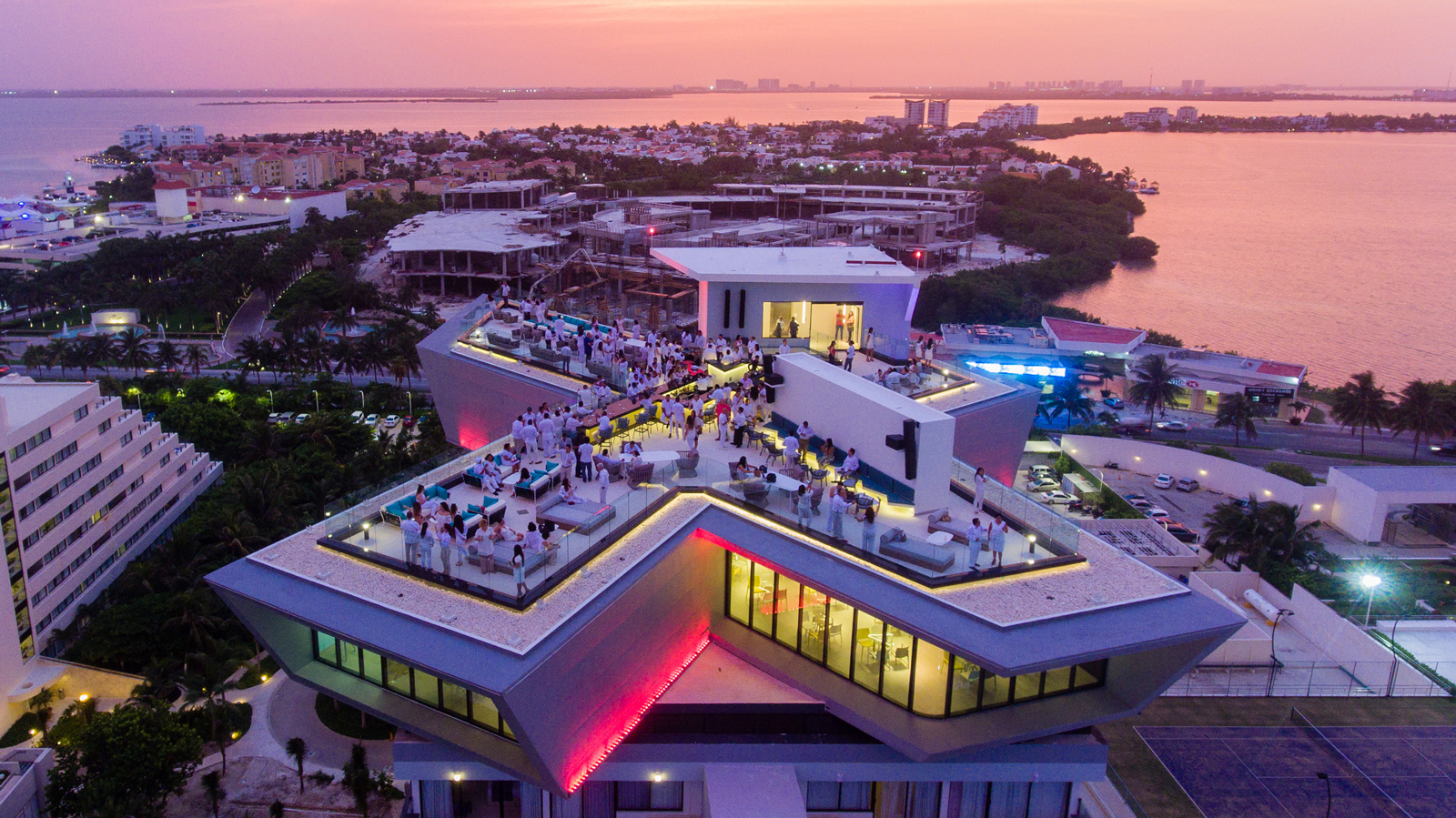 Park Royal Cancun >> 10 Surprises From The Park Royal Cancun Beach Resort All